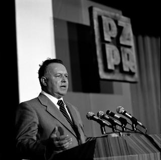 Prof. A. Dudek: Stanisław Kania jako przywódca PZPR był ważną postacią [WYWIAD]
