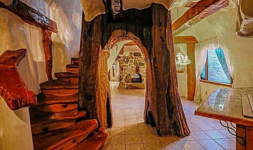 Zamieszkałbyś w tym domu? Jego wnętrze zadziwia