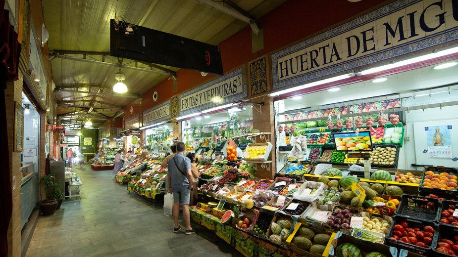 Rynek owocowo-warzywny w Sewilli