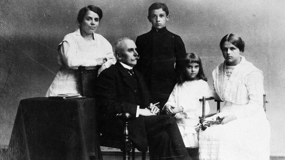Rodzina poetki Marii Pawlikowskiej-Jasnorzewskiej