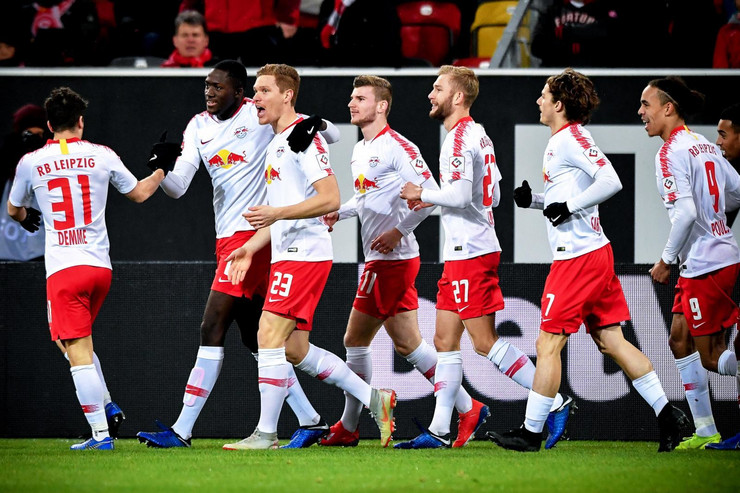 FK Fortuna, FK Ajntraht