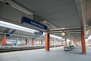 Kraków wznawia dezynfekcję chodników, przystanków, placów. Decyzja w związku z wprowadzeniem żółtej strefy