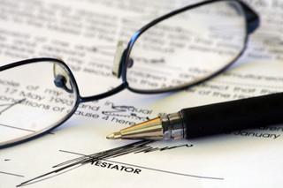 Podpis spadkodawcy nie wystarczy, by testament zakwalifikować jako odręczny