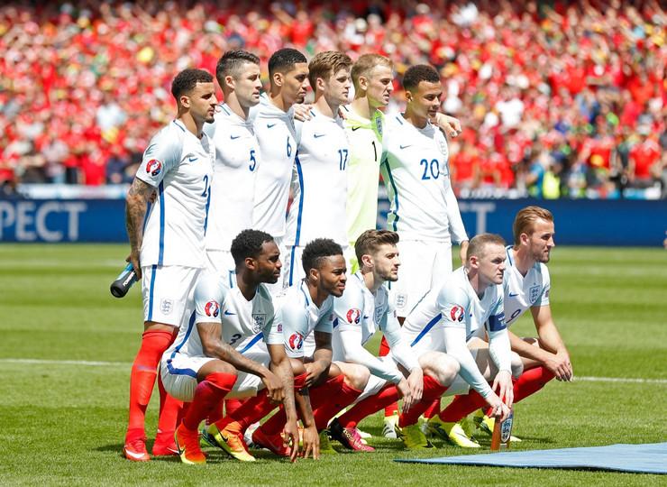 Fudbalska reprezentacija Engleske, Fudbalska reprezentacija Velsa