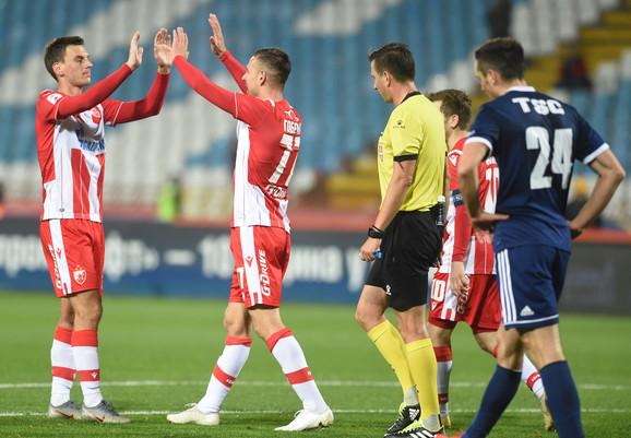 Fudbaleri Crvene zvezde proslavljaju pogodak
