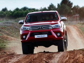 toyota_hilux_invincible_double_cab