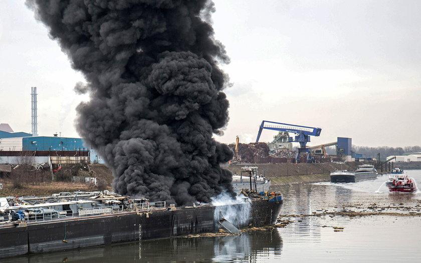 Wybuch tankowca w porcie w niemieckim Duisburgu