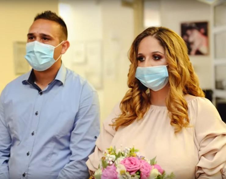 sandra i stefan venčanje maske korona virus obrenovac