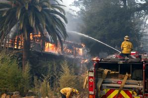 Nastavlja se potraga za NESTALIMA U NAJGORIM POŽARIMA u Kaliforniji: Pronađeno još ugljenisanih tela ispod ruševina