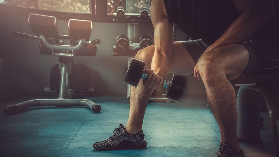 Sprawdzone sposoby na biceps