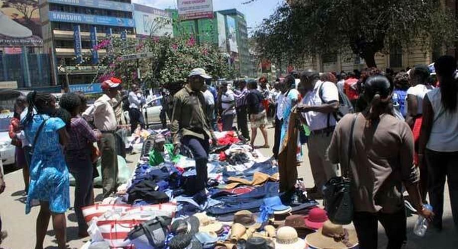 File image of hawkers selling wares in Nairobi CBD