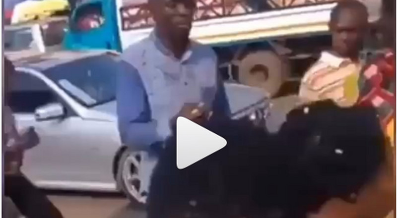 Man gets beaten for using eggs to curse 'stealers' of his phone and money at Kwame Nkrumah Circle (video)