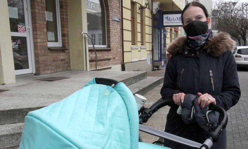 Zasiłki macierzyńskie nie powinny być zmniejszane – mówi pani Aleksandra z Kołobrzegu.