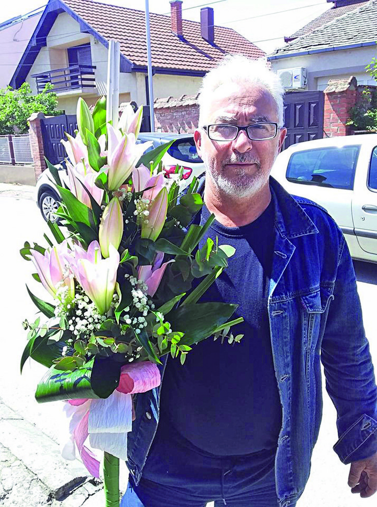 Džentlmen sa cvećem - Vladeta Jeremić
