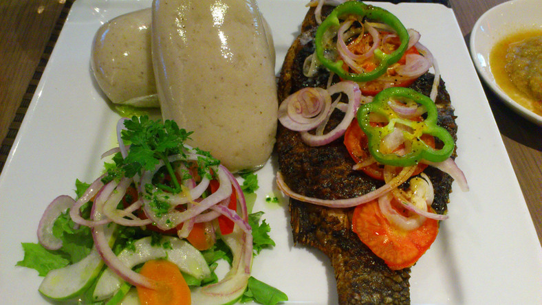 Banku and tilapia recipe: How to make banku and hot pepper with grilled tilapia  [nuduyi]