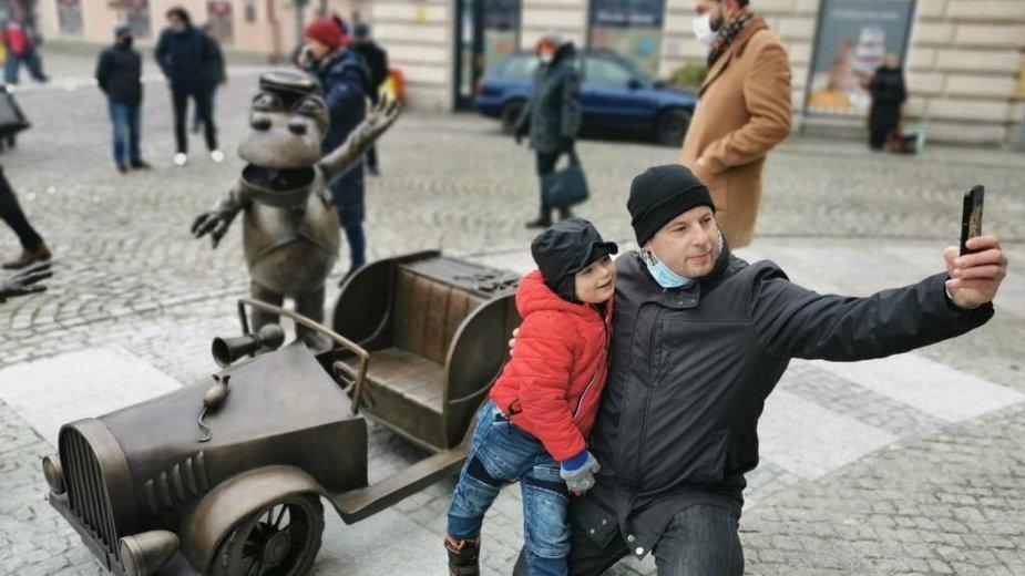 Smok Wawelski nie tylko w Krakowie. Kolejna rzeźba na bajkowym szlaku
