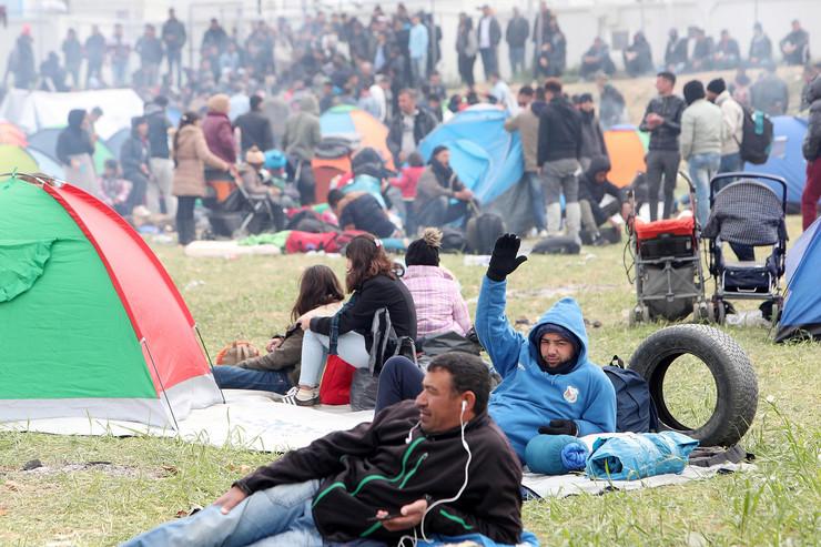 Migranti izbeglice Grčka EPA SOTIRIS BARBAROUSIS
