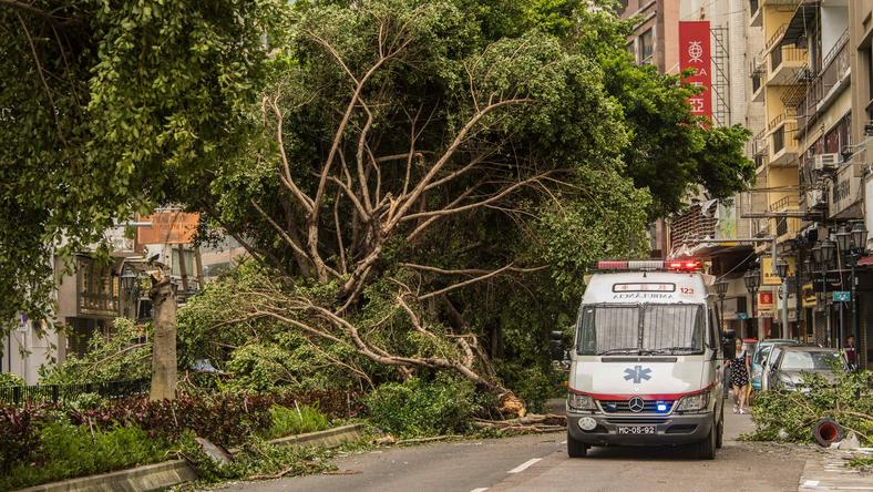Zniszczenia, jakie wyrządził tajfun Hato