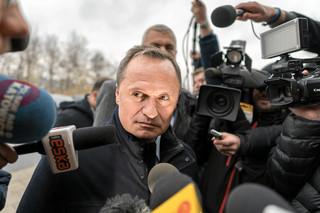 Leszek Czarnecki nie posłuchał KNF i sam się nie odwołał