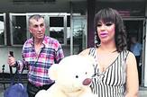 Nis Miljana Kulic porodiliste izlazak beba foto Ivana Andjelkovic (2)