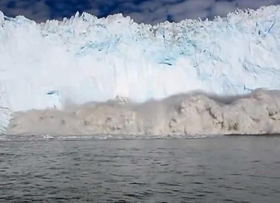 Survavanje sante leda u more