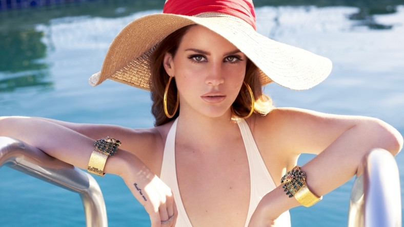 LIVE LIFE LIKE A MOVIE AND LET THE MUSIC MOVE YOU -Alternative Nation | Lana del rey, Clothes
