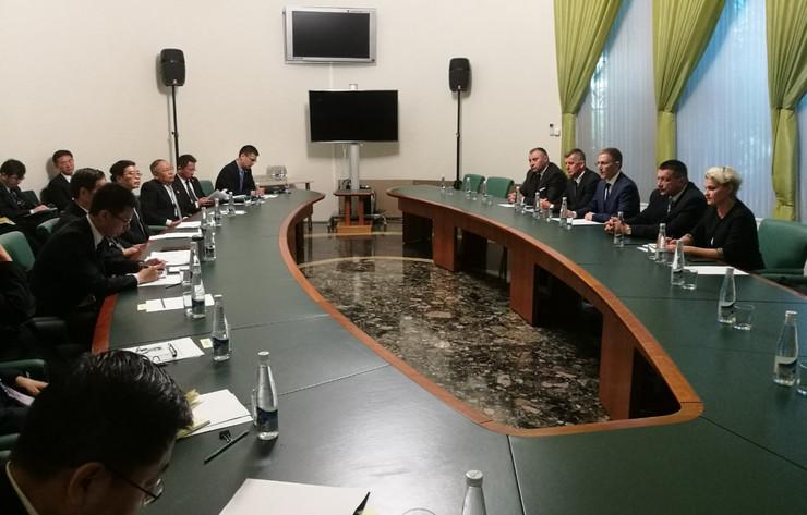 Nebojša Stefanović na sastanku