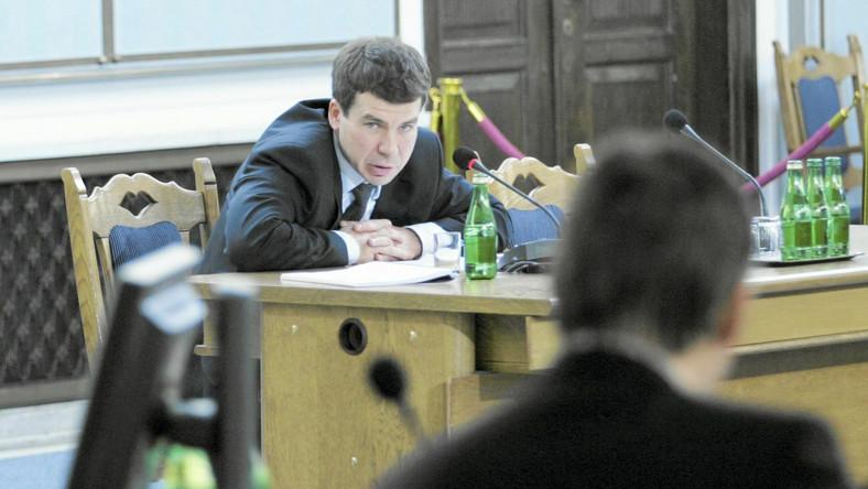 Ernest Bejda przesłuchiwany przed sejmową komisją śledczą do spraw nacisków w 2009 roku