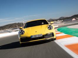 Jak jeździ nowe Porsche 911 Carrera 4S? | TEST