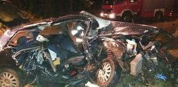 Potworny wypadek w Miodnicy. Nie żyją dwie osoby