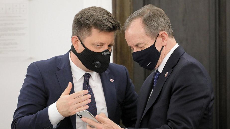 Pełnomocnik rządu ds. szczepień Michał Dworczyk i marszałek Senatu Tomasz Grodzki
