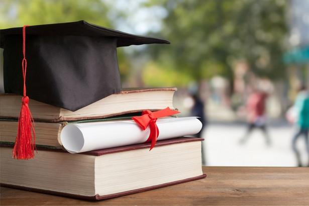 Liczba zakażonych studentów, doktorantów i pracowników uczelni z tygodnia na tydzień od listopada sukcesywnie maleje. To pozytywny trend