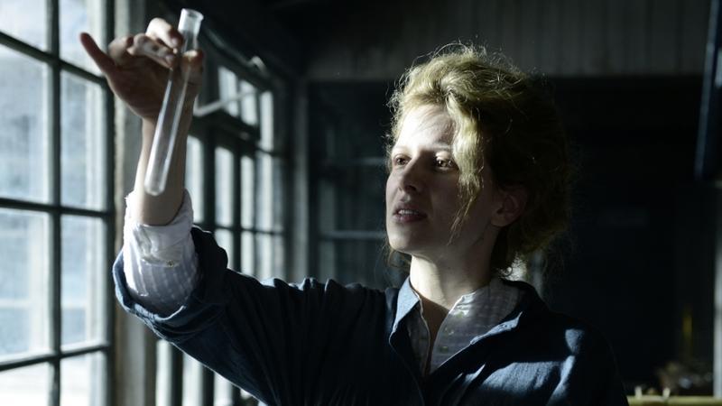 """Maria Skłodowska-Curie"" - kadr z filmu"