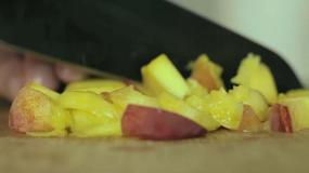 Zdrowa sałatka-przekąska w porze lunchu