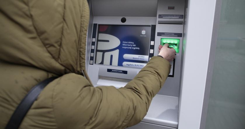 Banki na celowniku analityków: zarobisz na akcjach PKO BP. ING lepiej unikaj