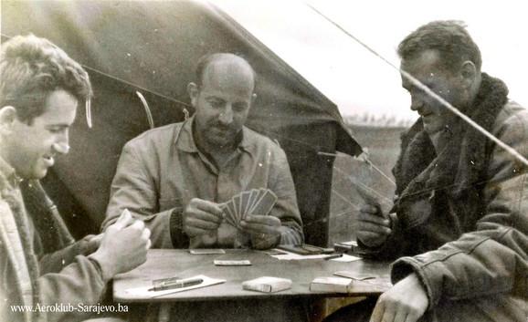 Veso, Gustav Ajdič i Neno Hrisafović igraju remi