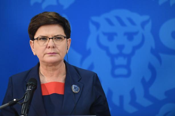 Premier była pytana na konferencji prasowej o ocenę wydarzeń w środę w czasie miesięcznicy katastrofy smoleńskiej na Krakowskim Przedmieściu.