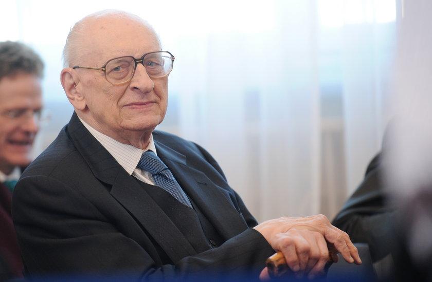 Bartoszewski nie żyje