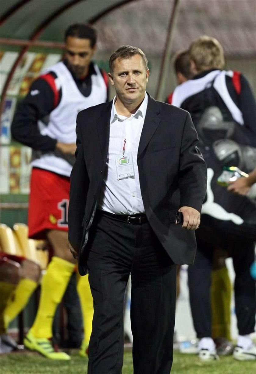 Grzegorz Rasiak wciąż nie może zagrać w Jagiellonii Białystok, bo działacze AEL-u Limassol nie przysłali do Polski jego certyfikatu