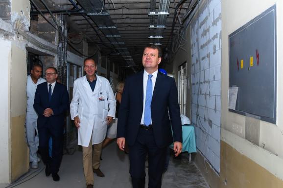 Igor Mirović u obilasku Klinike za kardiologiju u Sremskoj Kamenici