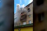 Ap_prolaznici_spasavaju_porodicu_od_vatre_vesti_blic_safe
