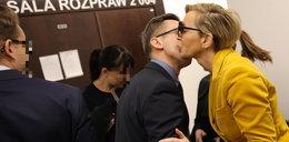 Rozwód Kurzajewskich i pocałunek w sądzie!