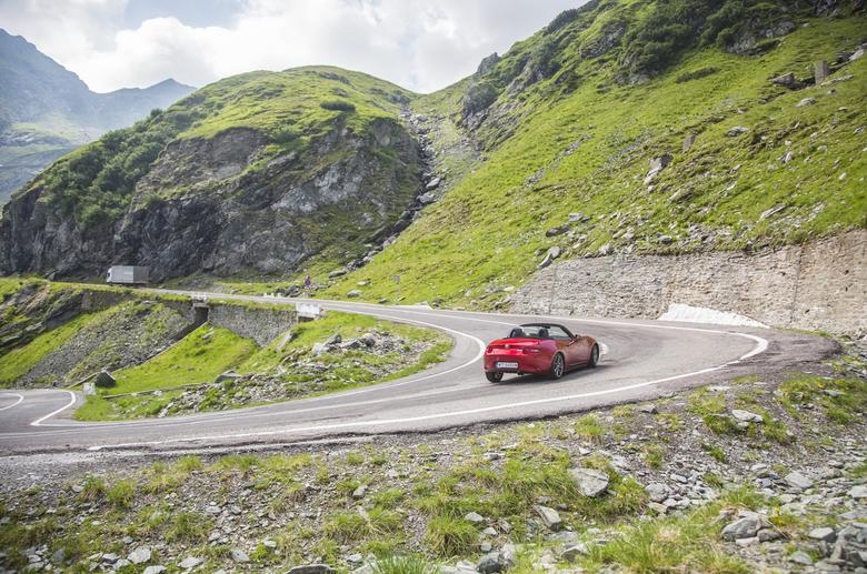 Mazda MX-5 na Trasie Transfogaraskiej