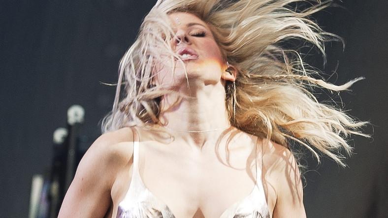"""Jej debiutancki album – """"Lights"""" – ukazał się w 2010 roku. Pochodzące z niego utwory """"Lights"""" i """"Starry Eyed"""" podbiły listy przebojów w Wielkiej Brytanii i w Europie, a """"Your Song"""" dostał się na 2. miejsce amerykańskiego notowania Billboard Hot 100 i stał się numerem 1 również w Polsce. Światowym hitem Ellie Goulding był również kolejny utwór """"Anything Could Happen"""""""
