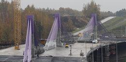 To jakiś żart! Most widmo straszy w Mszanie