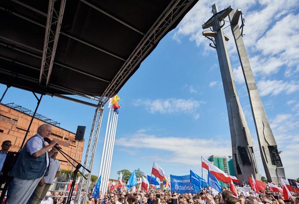 Były prezydent Lech Wałęsa w czasie protestu w Gdańsku