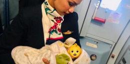 Stewardesa zrobiła to płaczącemu dziecku!