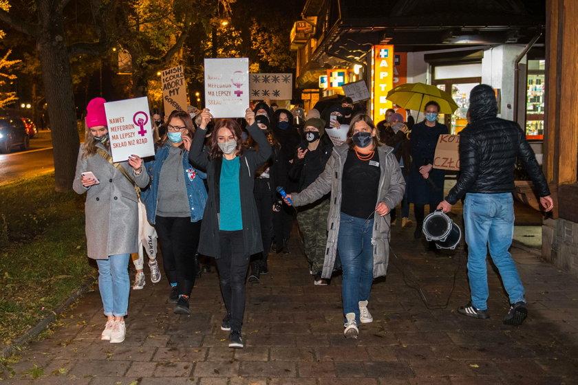 Protest przeciwko zaostrzeniu prawa antyaborcyjnego oraz rzadom Prawa i Sprawiedliwosci. Manifestowa