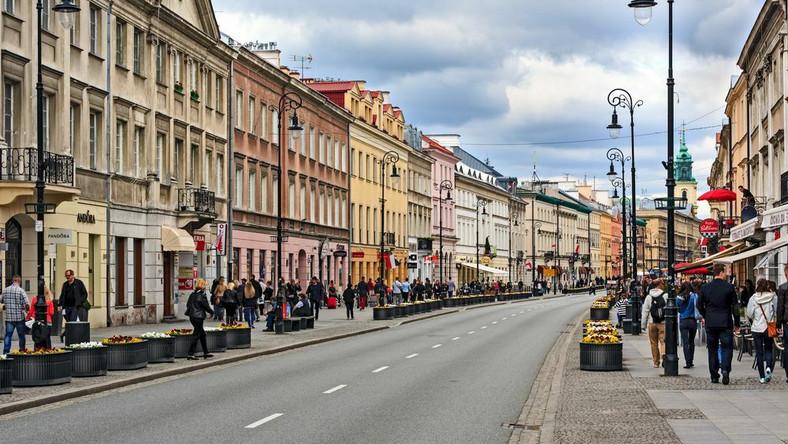 Ulica Nowy Świat w Warszawie, fot. marekusz / Shutterstock.com