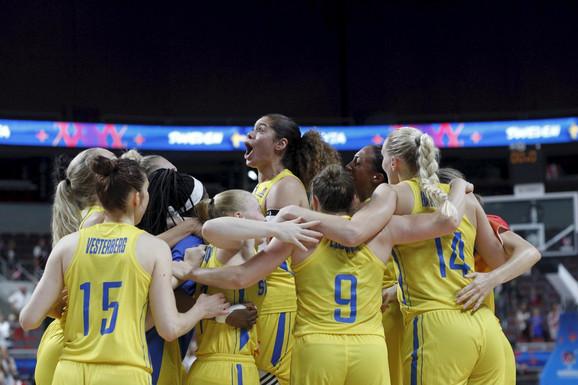 Slavlje košarkašica Švedske